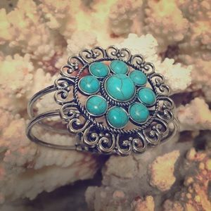 Vintage Turquoise and Silver Medallion Bracelet